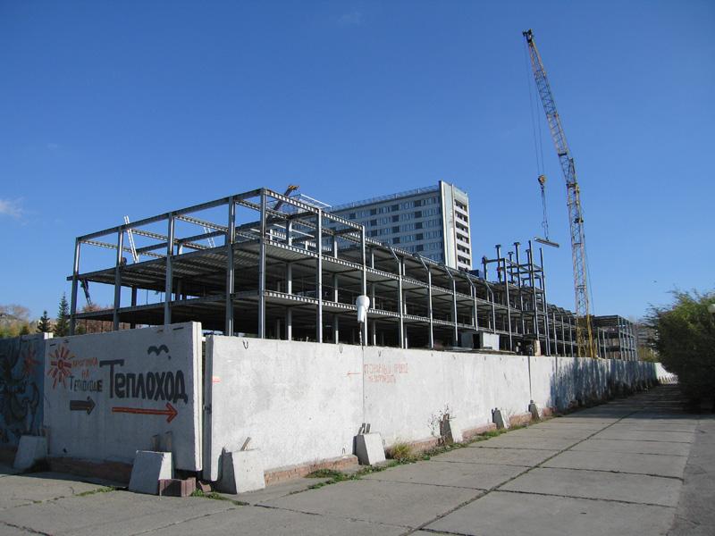 Работы по реконструкции здания речного вокзала по проекту ООО «АрхиГрад». Фото 2010 г.