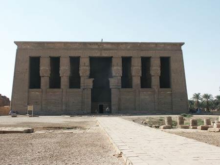 Храм богини Гатор (Хатхор) в Дендера