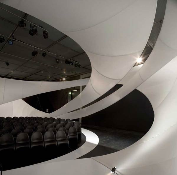 Заха Хадид (Zaha Hadid Architects): J. S. Bach Pavillion, Manchester International Festival, Manchester, UK, 2009