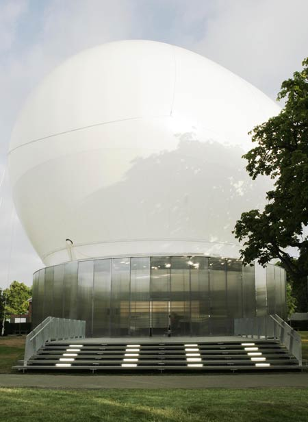 Рем Колхас (Rem Koolhaas)/ OMA: Serpentine Gallery Pavillion, Designed by Rem Koolhaas and Cecil Balmond, Kensington Gardens, London, 13 July – 15 October 2006