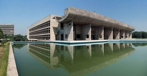 Ле Корбюзье. Le Corbusier. Здание Ассамблеи (Palace of Assembly). Чандигарх (Chandigarh) — новая столица штата Пенджаб, Индия. 1951-1962