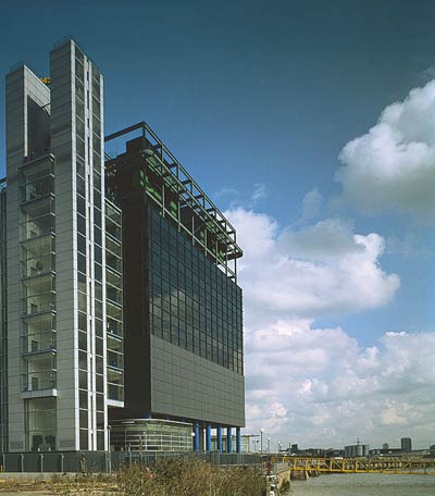 Ричард Роджерс (Richard Rogers): Reuters Data Centre, London, England, UK (офисное здание), 1987—1992