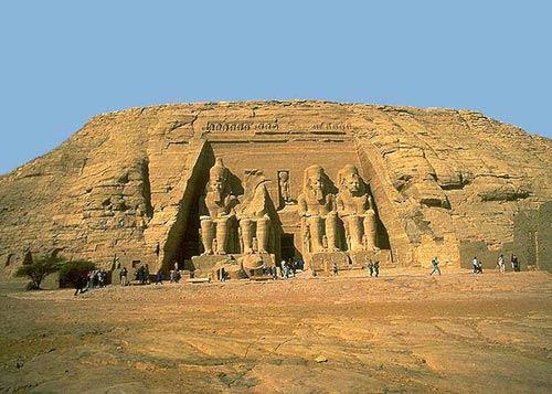 Портал храма Рамзеса II в Абу-Симбеле