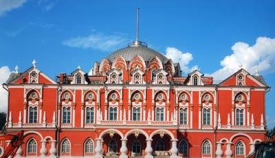 Петровский дворец москва архитектор